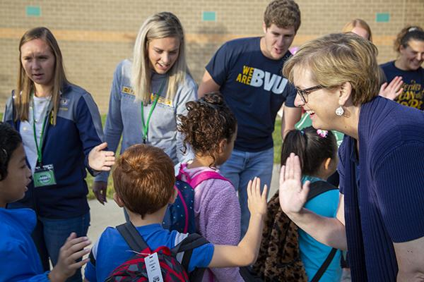 BVU participates in High-Five Fridays at Storm Lake Elementary School